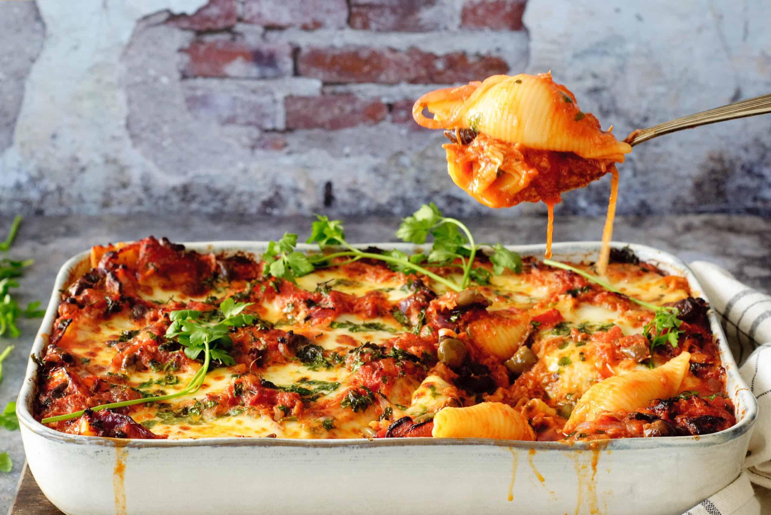 Pasta tomaat & tonijn uit de oven