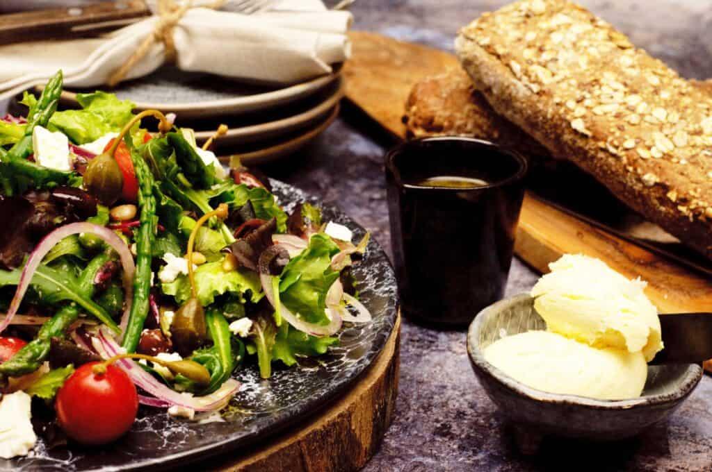 Salade feta tomaat asperges olijf
