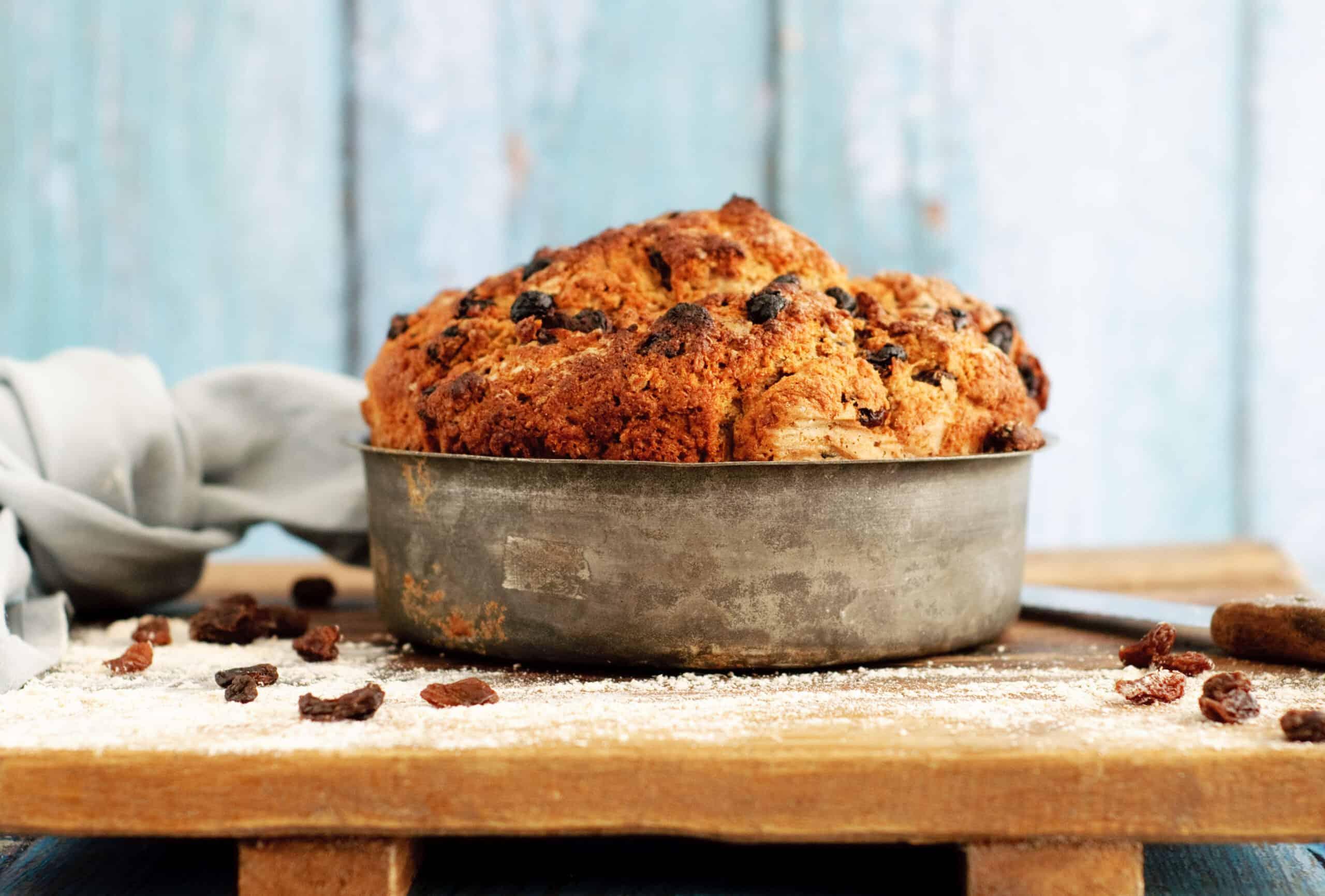 Rozijnenbrood in 30 minuten