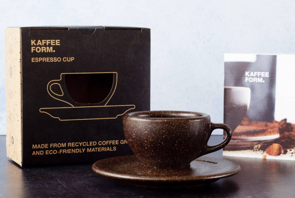 Kopje van koffiedik Kaffe form.