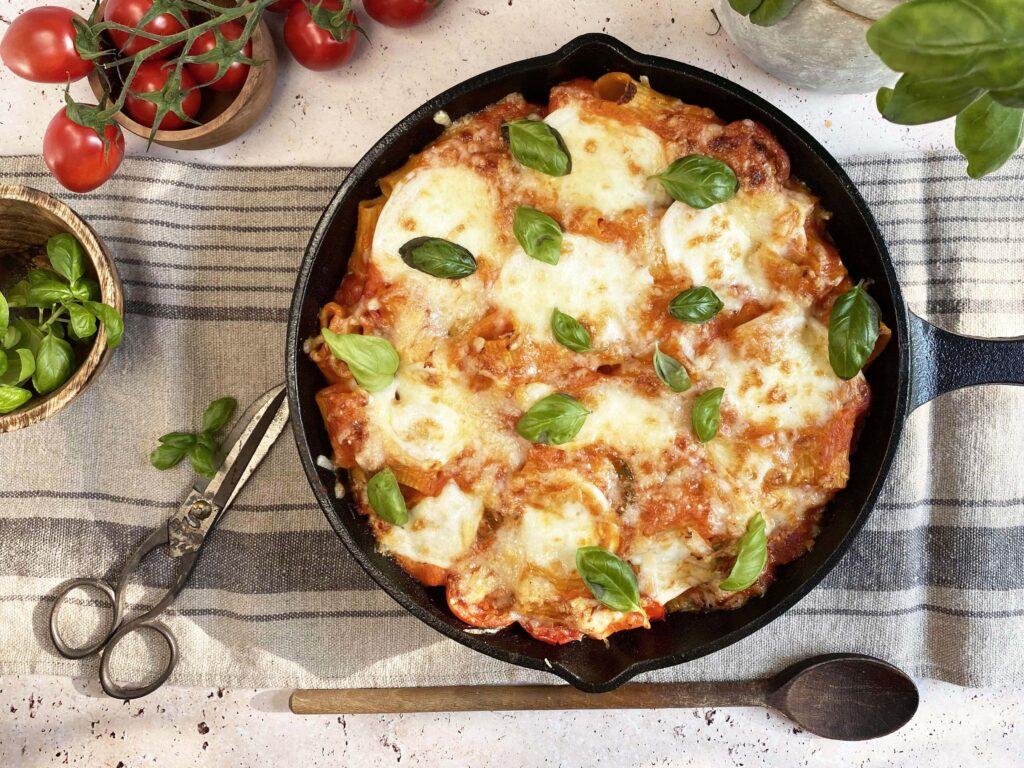 Pasta uit de oven met tomaat en mozzarella